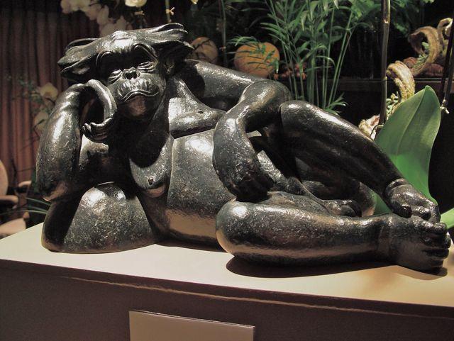 022 Fouquet's Chimpanzé allongé