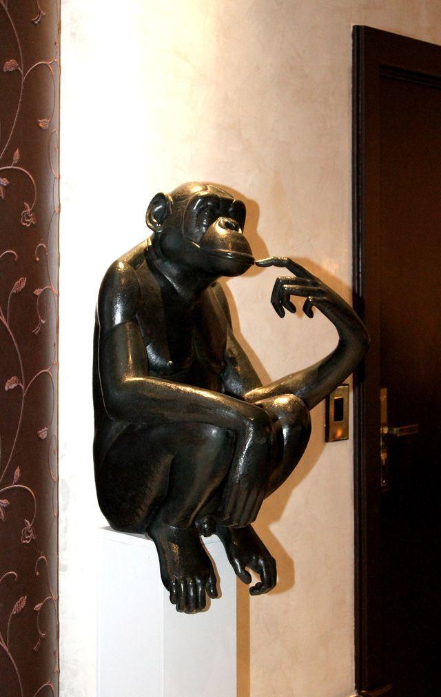 010 Fouquet's Bonobo pensif